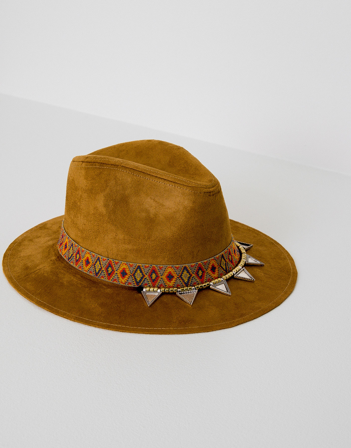 Hat with detailed band