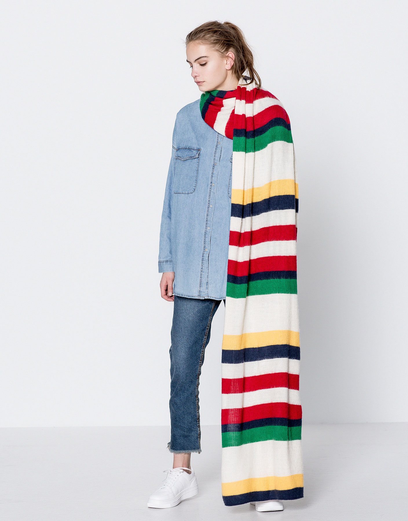 Colourful stripes scarf