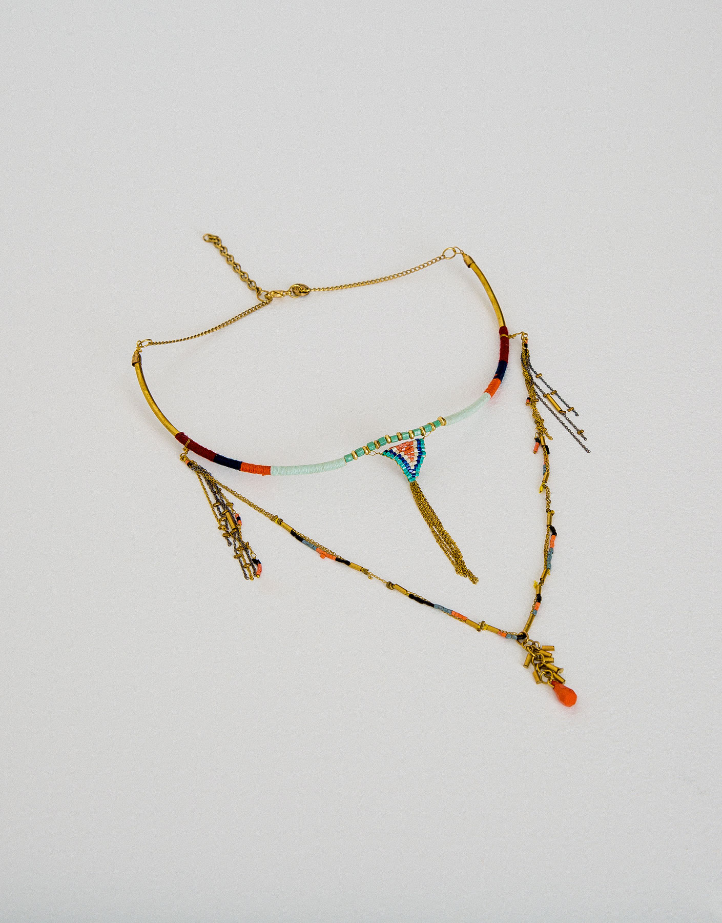 Beaded chain and thread necklace