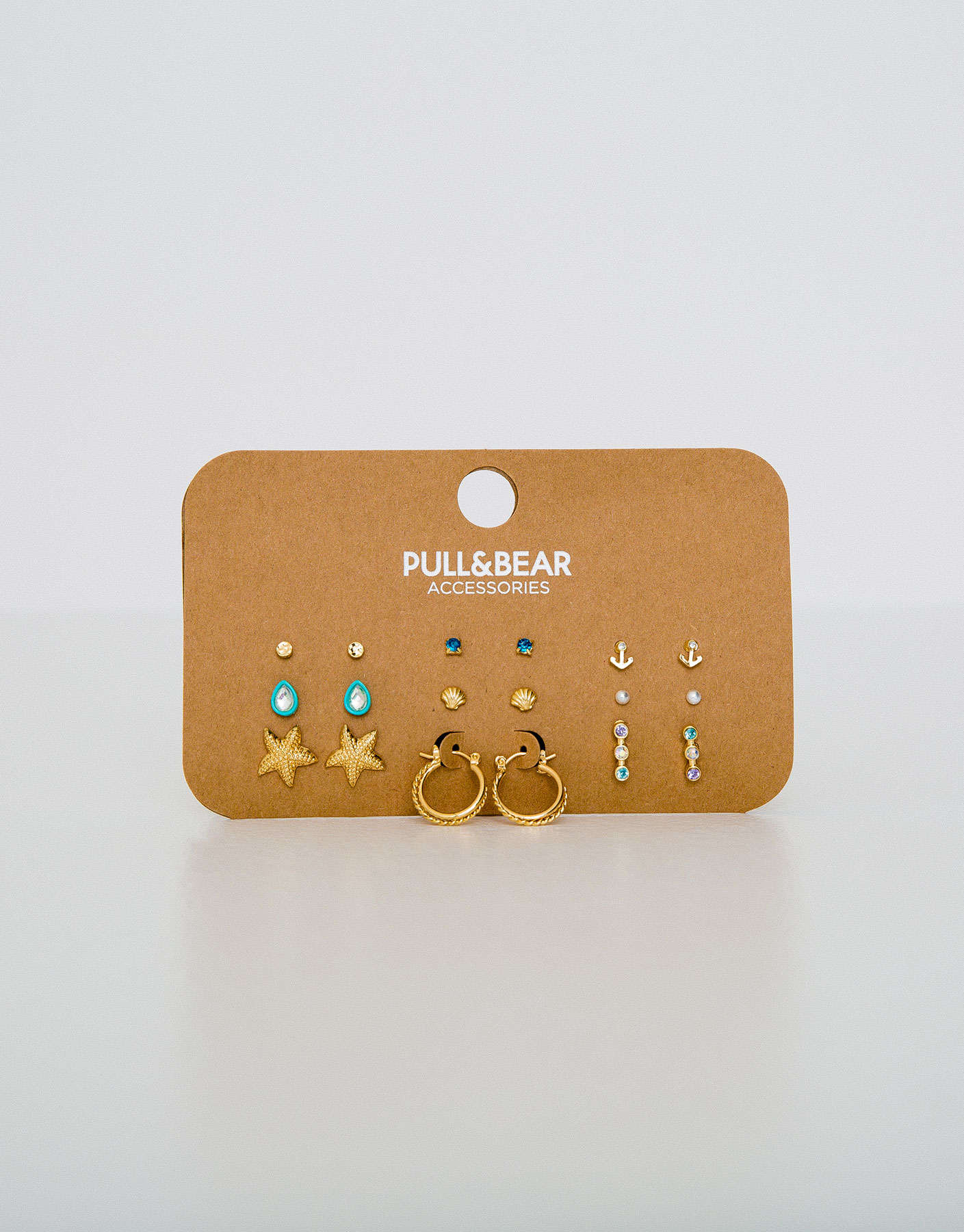 Pack of 9 assorted earrings