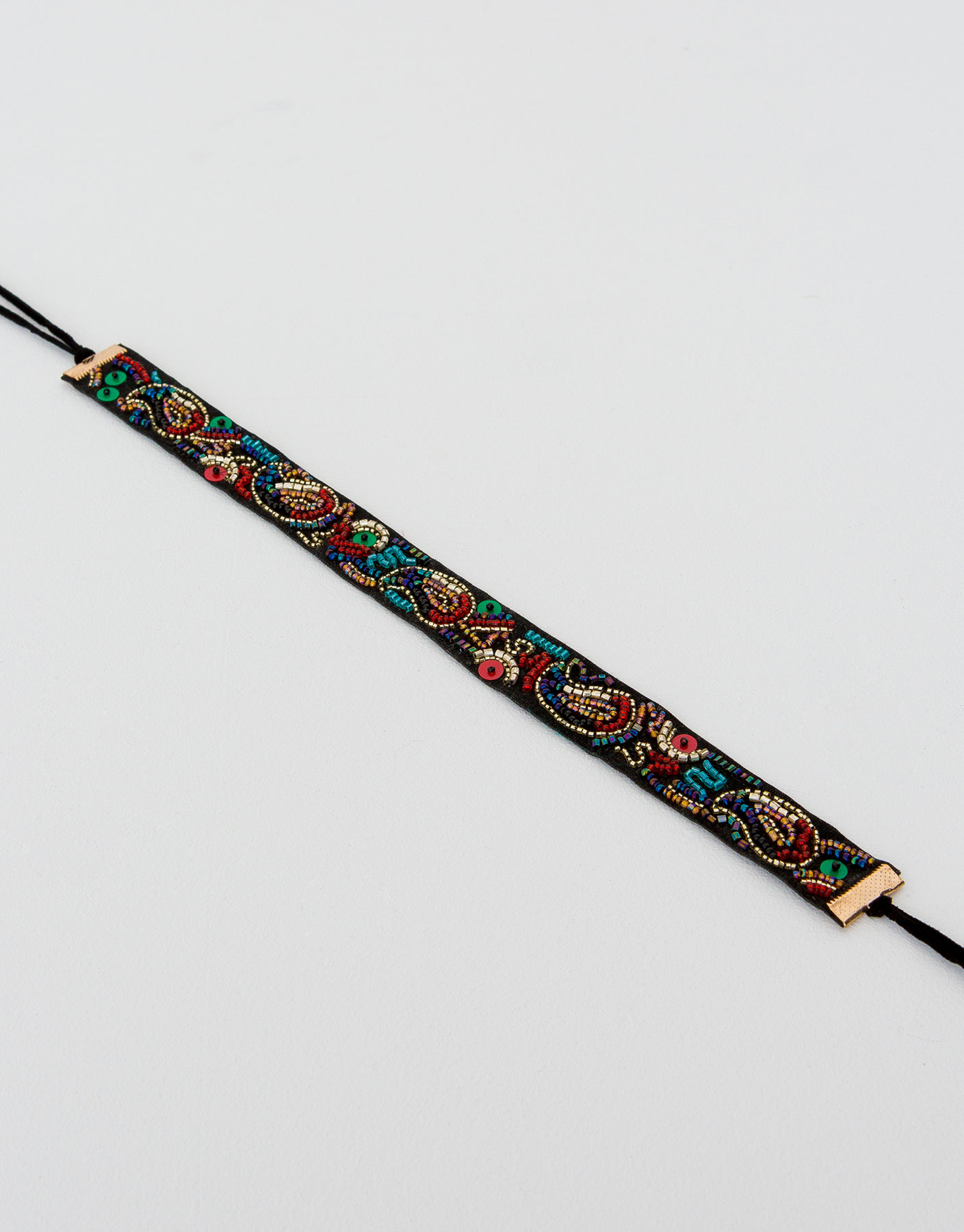 Beads embroidered choker
