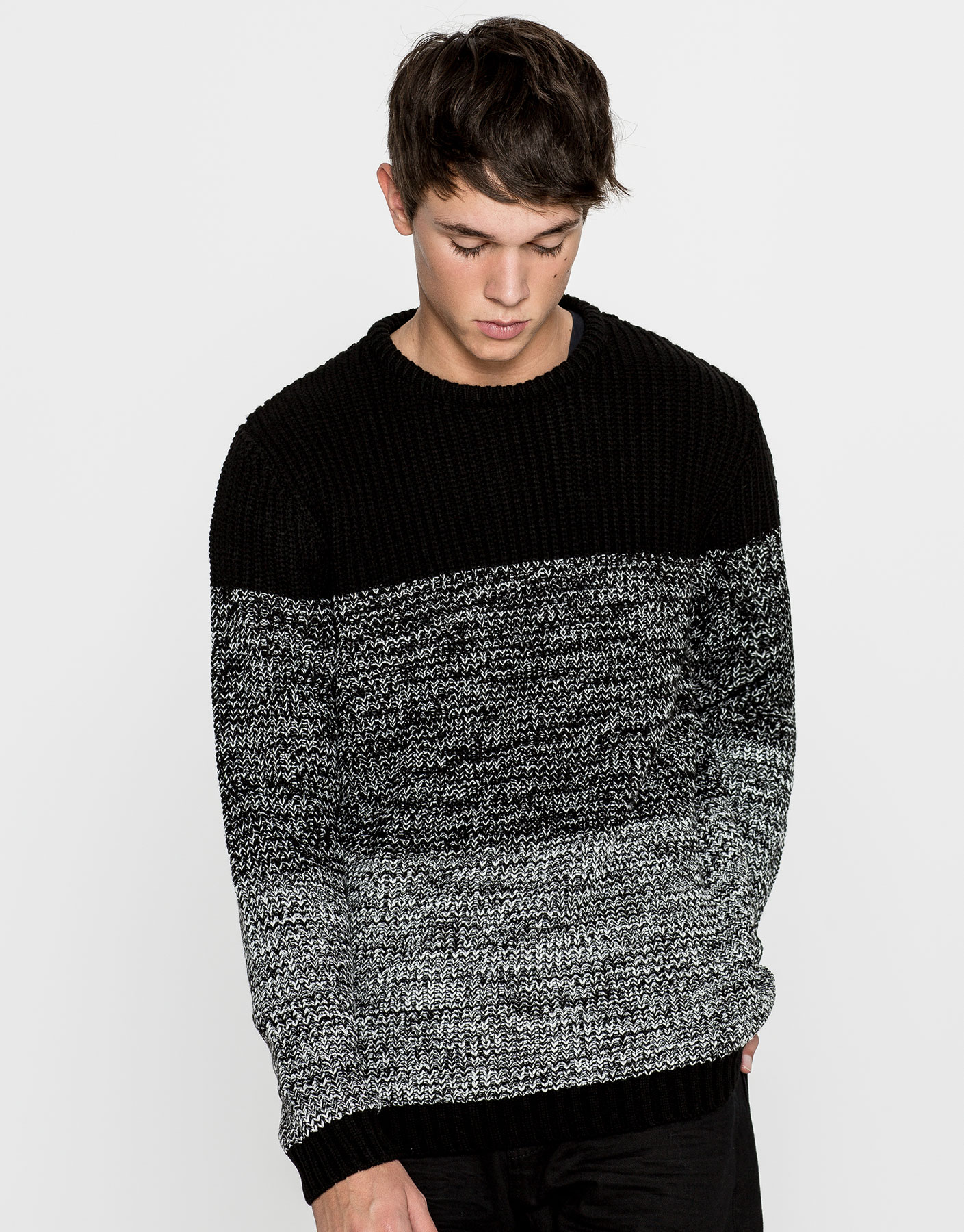 Round neck ombré sweater