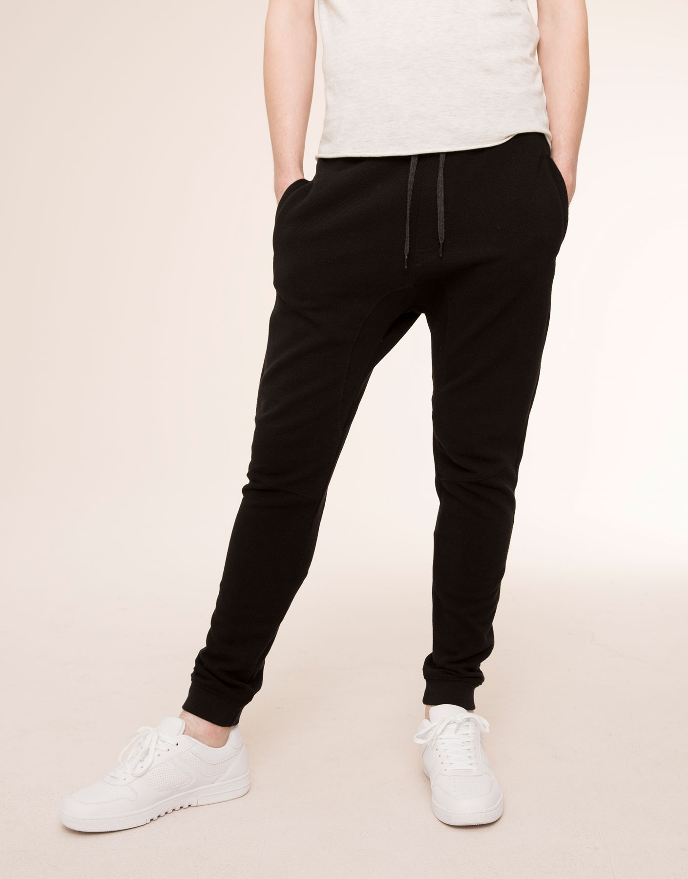 Jogging trousers with contrast waistband