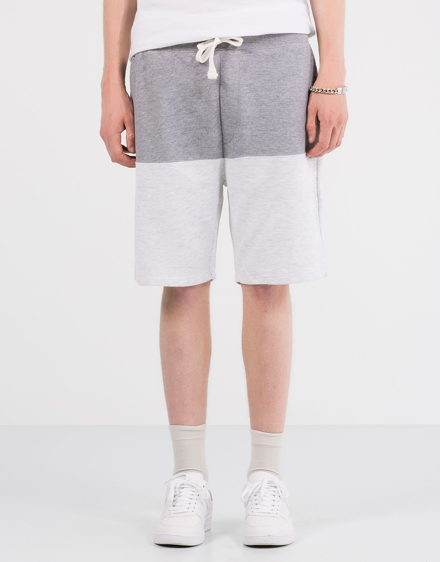 Jogging bermuda shorts with contrasting panels