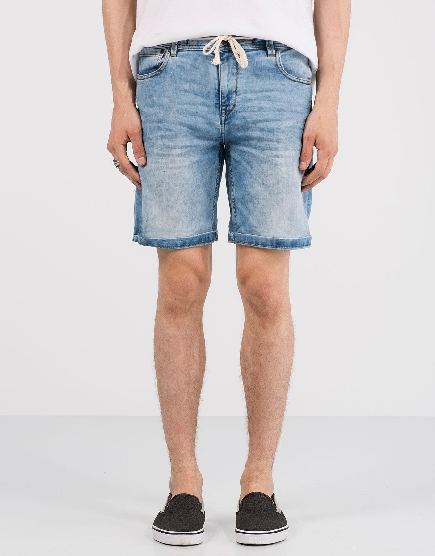 Light random bermuda shorts with drawstring
