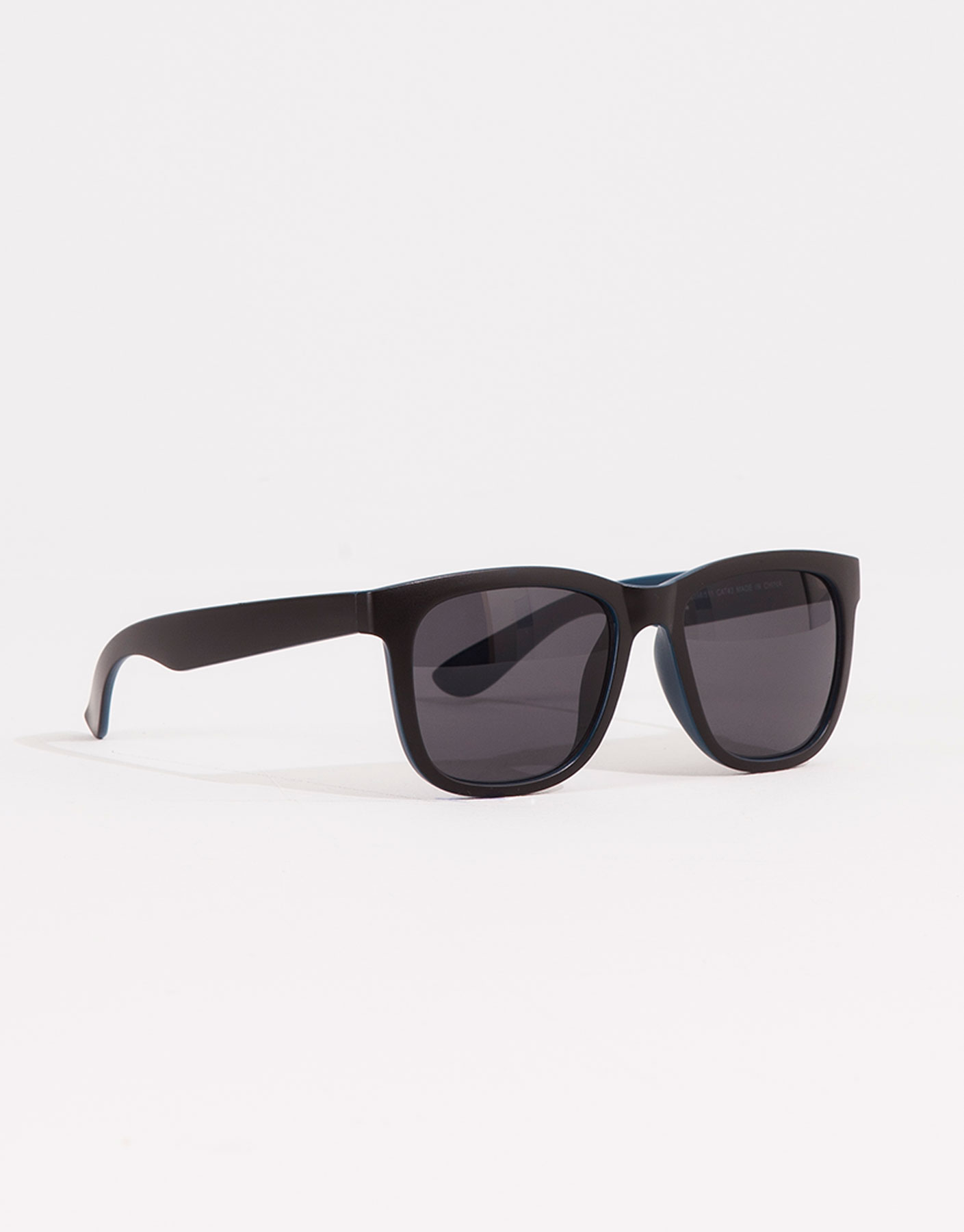 Mixed black & blue sunglasses