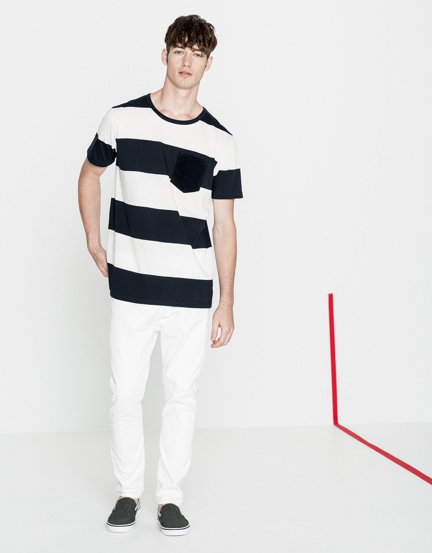 T-shirt with thick striped pocket