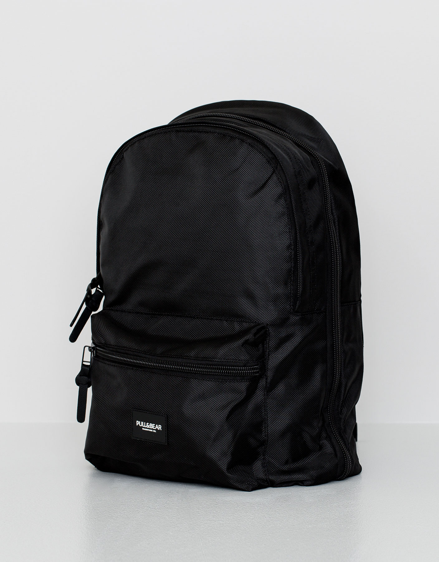 Backpack with concealed zip
