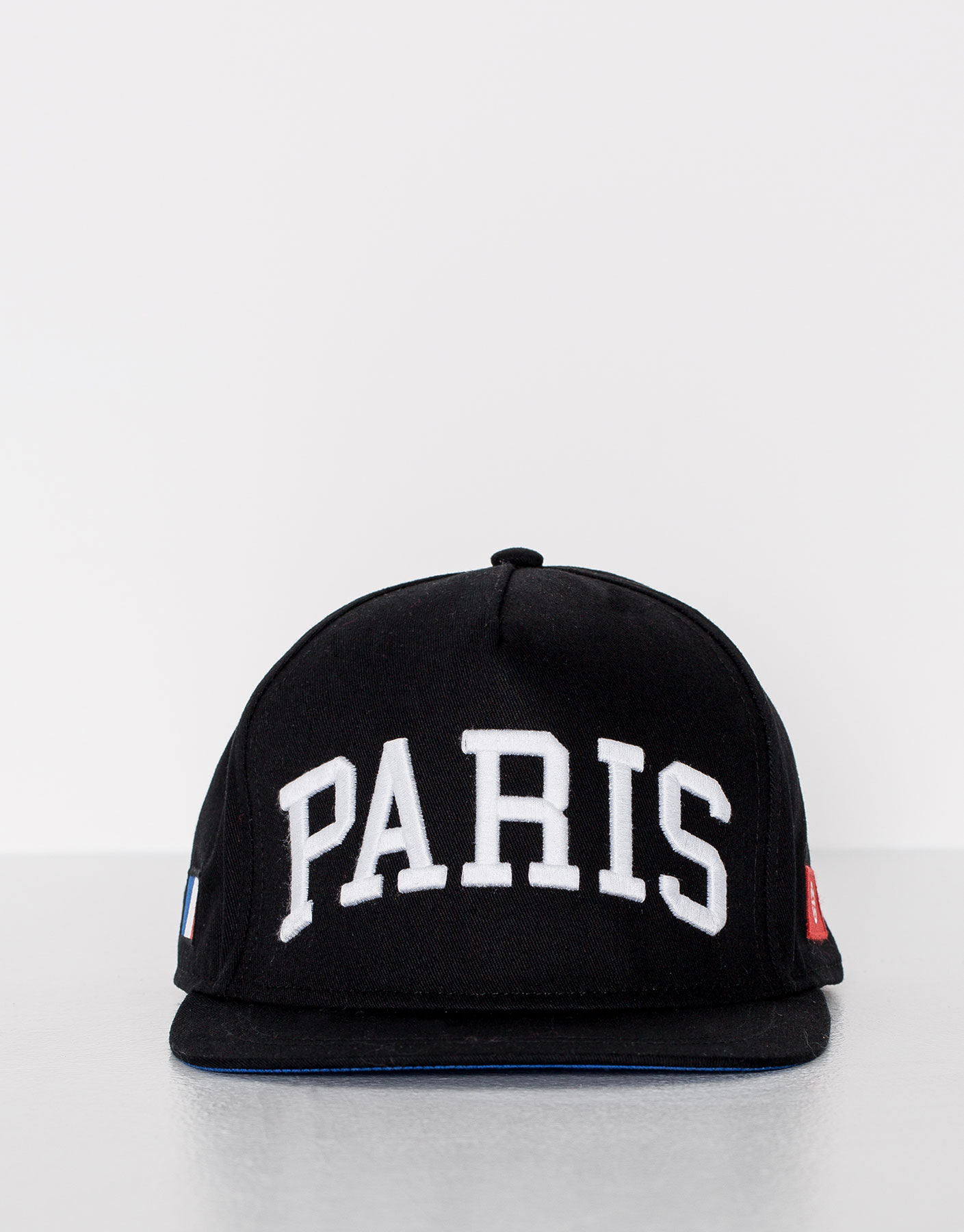 Gorra negra paris