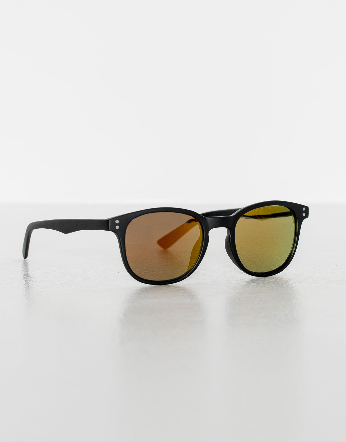 Black resin sunglasses with coloured lens