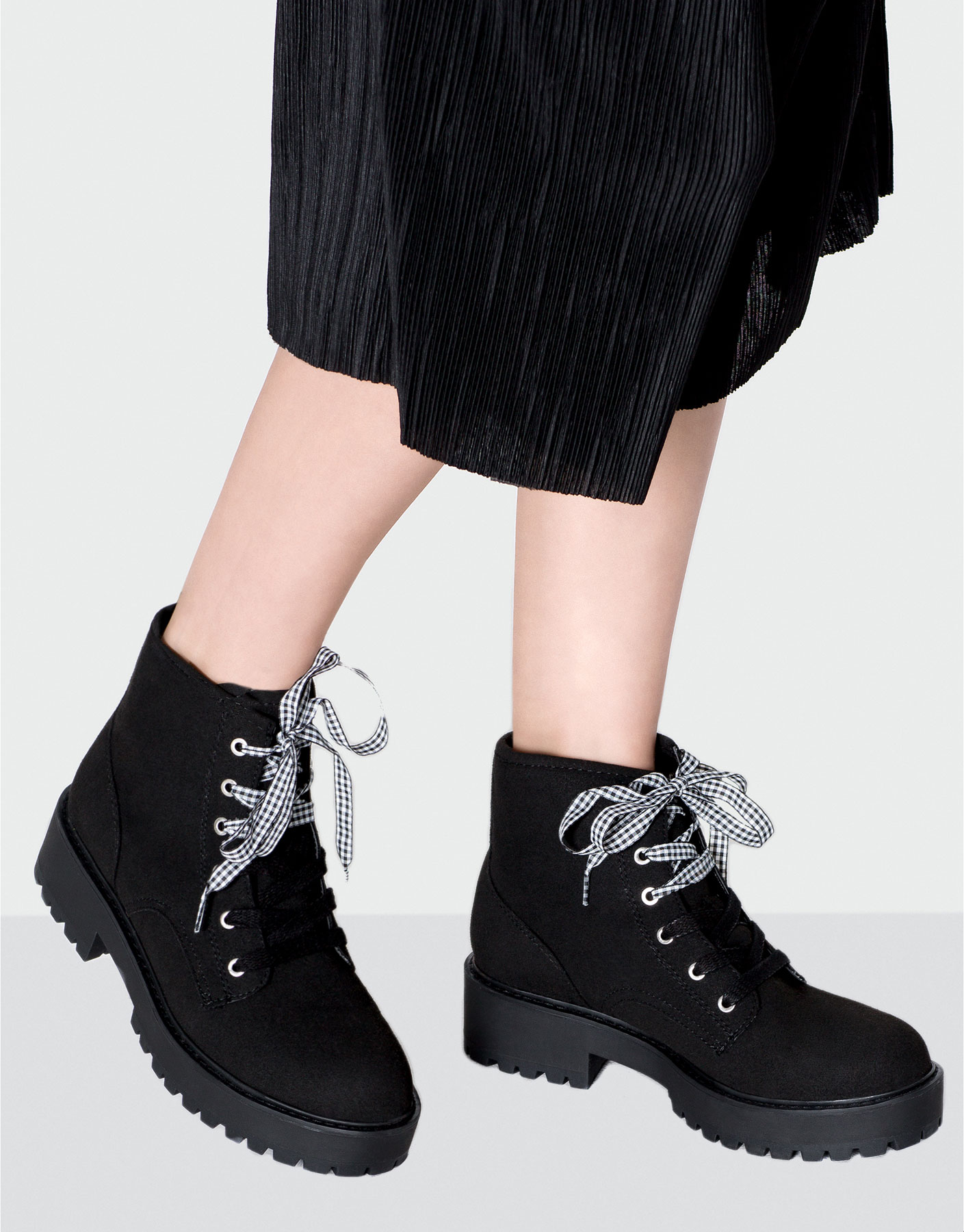 Double cord ankle boots