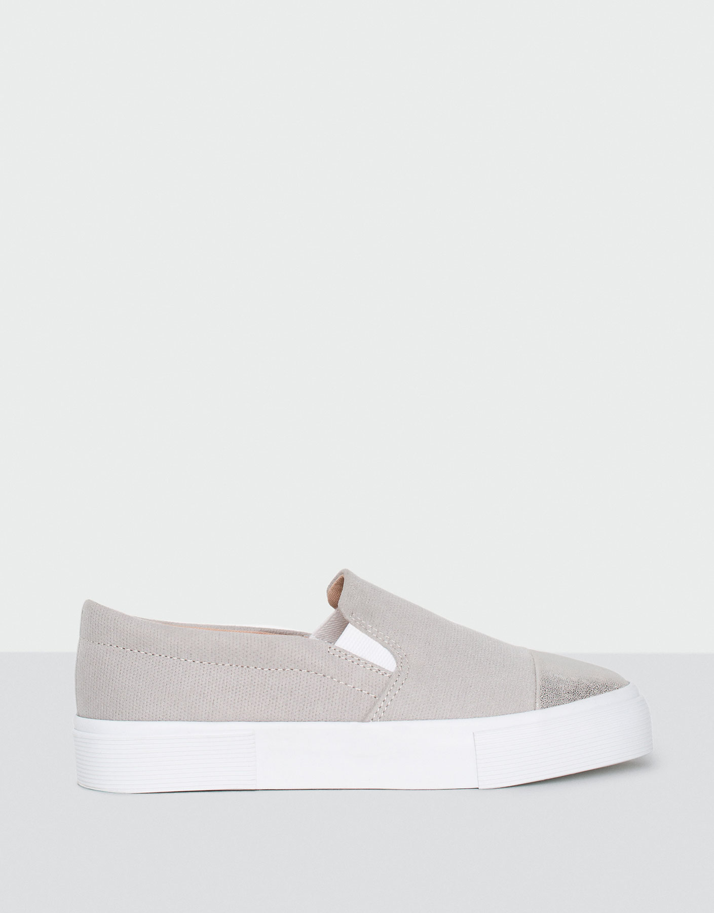 Slip ons with metallised toe