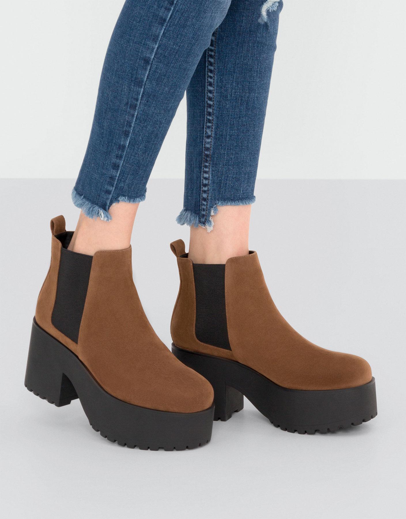 Block heel ankle boots