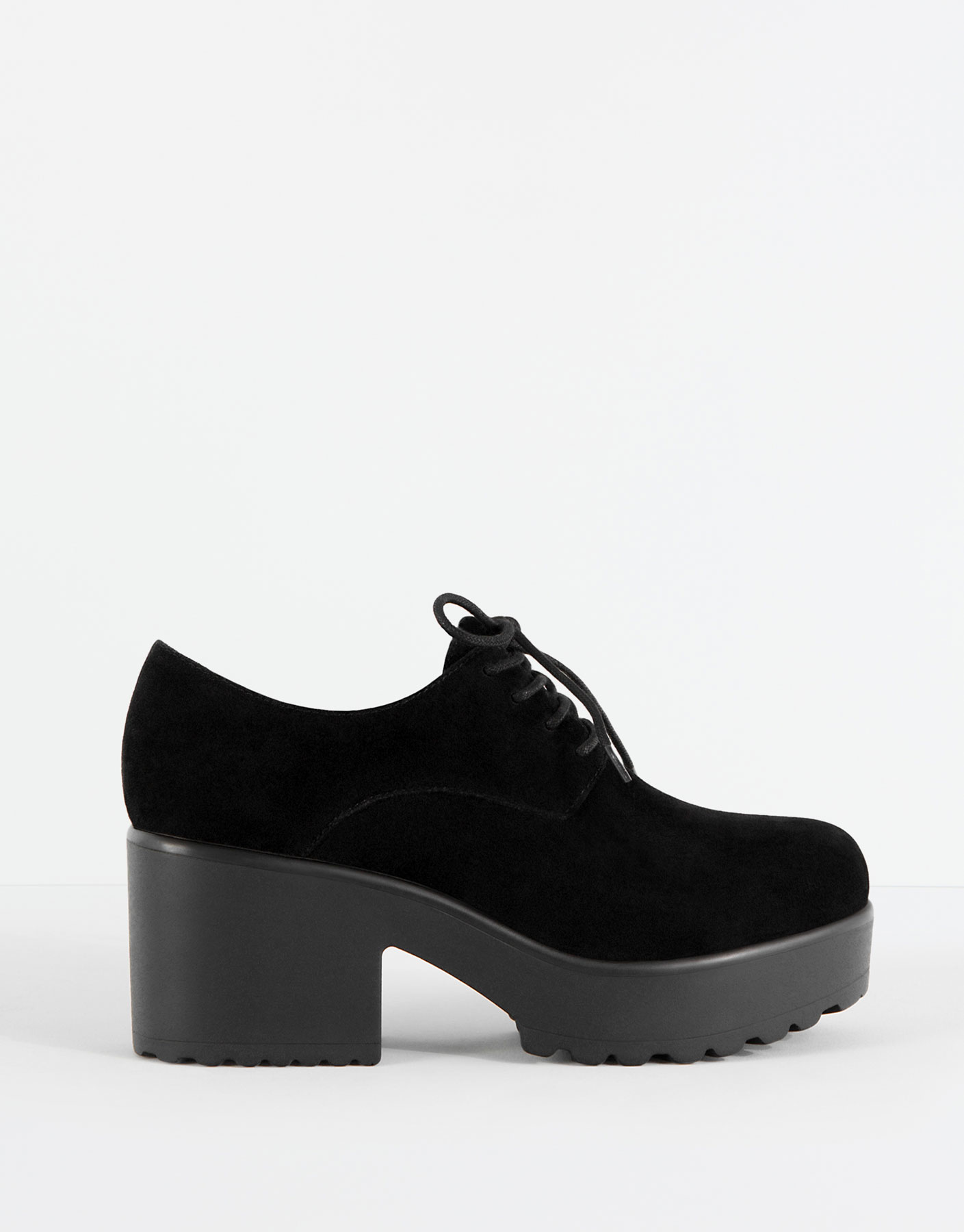 Heeled bluchers