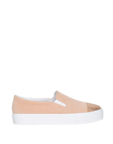 Slip on met metallic punt