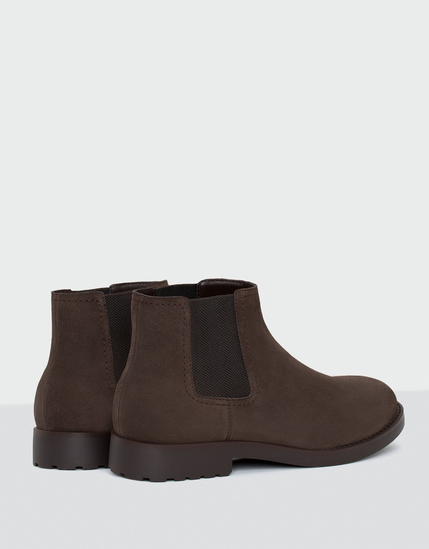 Stretch split suede boots