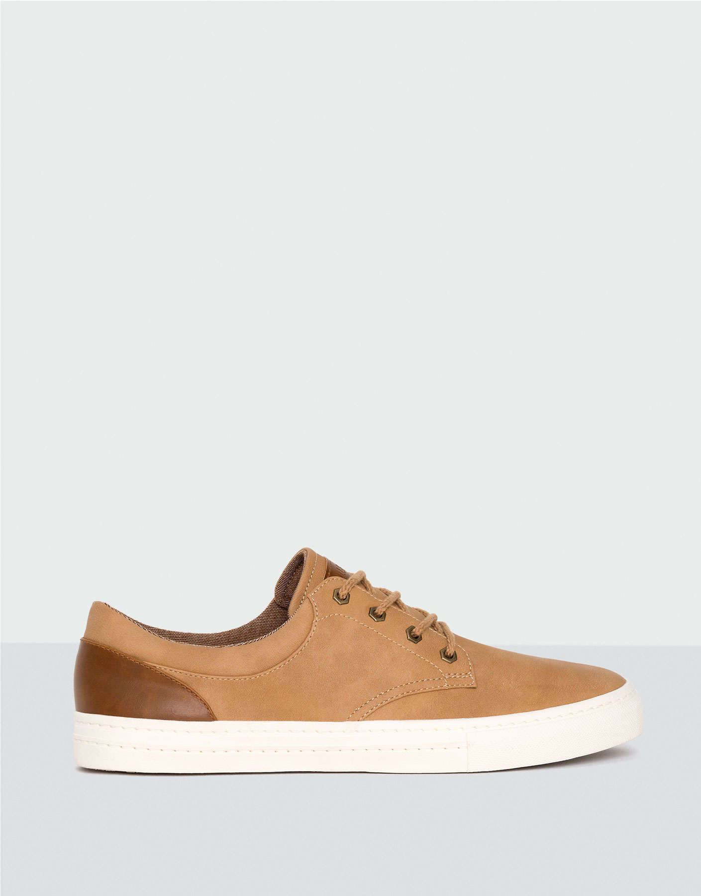 Formal plimsolls with trim
