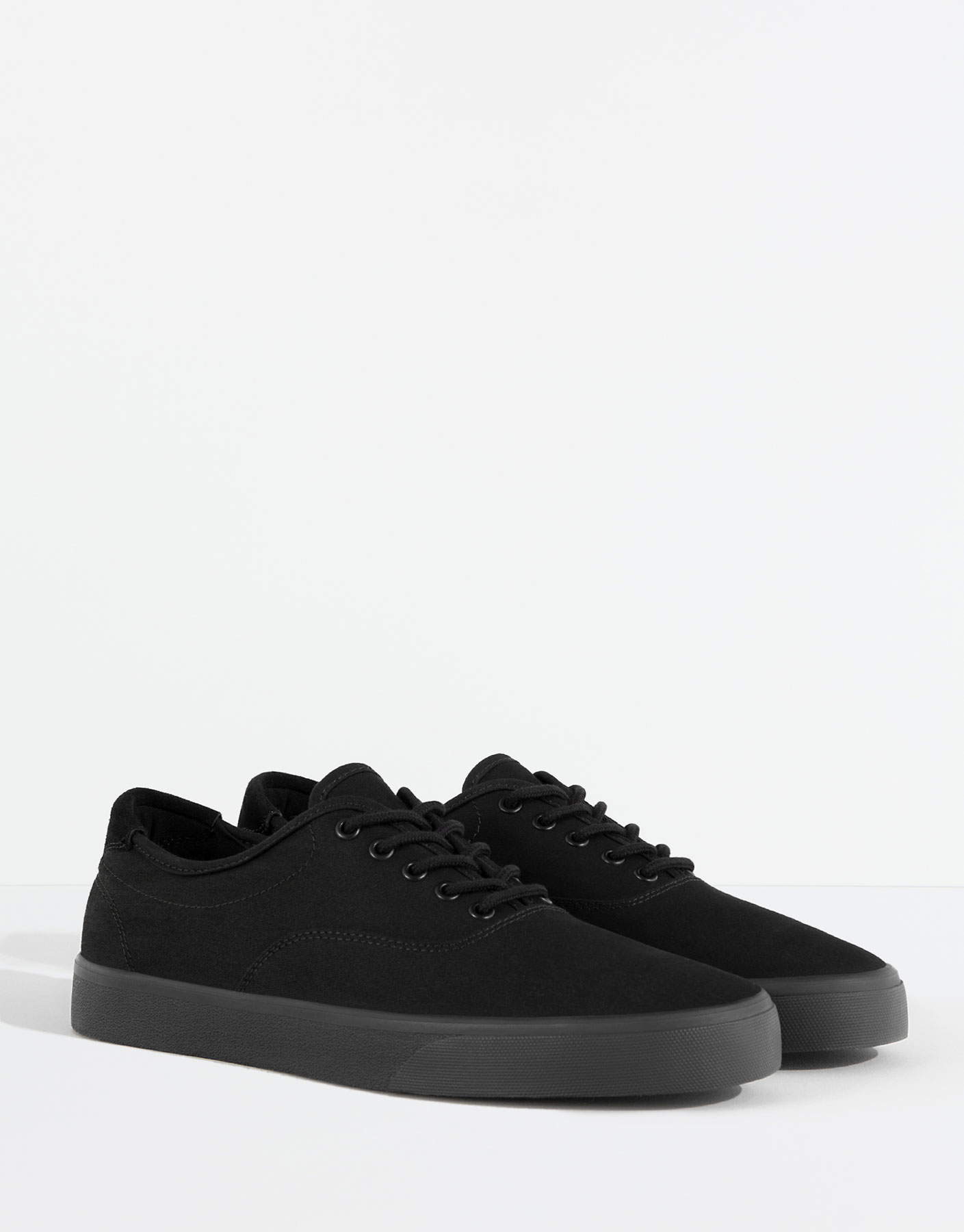 Single tone plimsolls