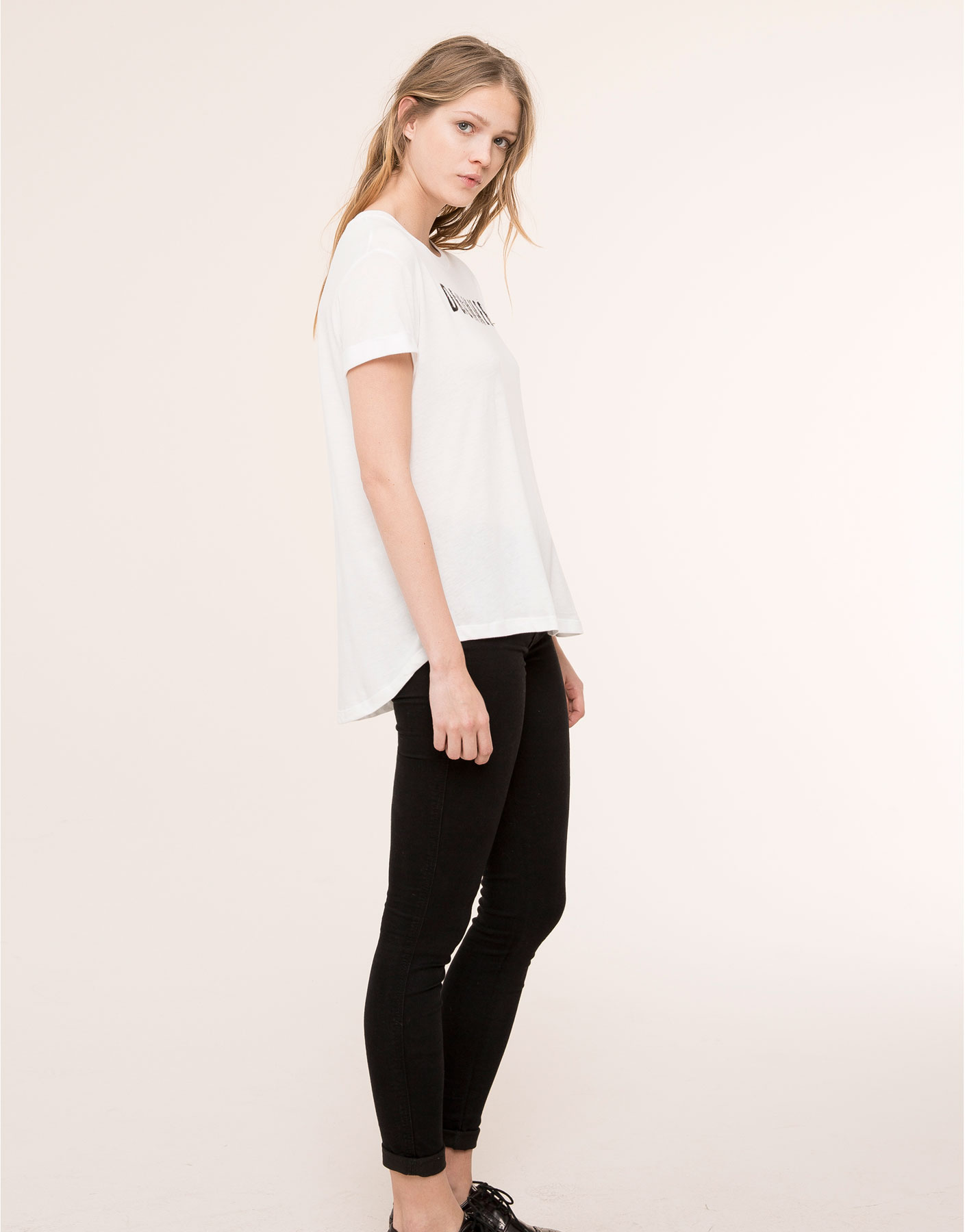 This is on my Wish List: CAMISETA TEXTO STRASS - CAMISETAS Y TOPS - MUJER - PULL&BEAR España