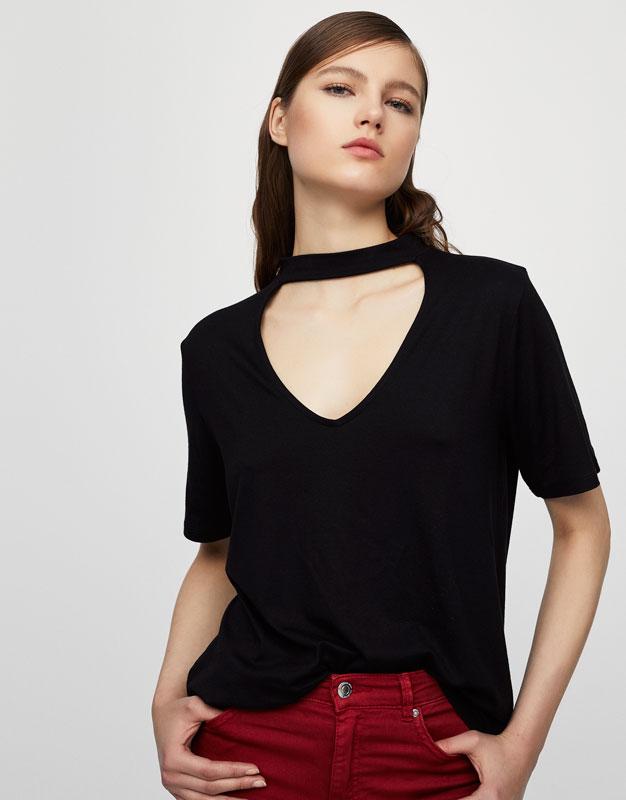 Choker collar top