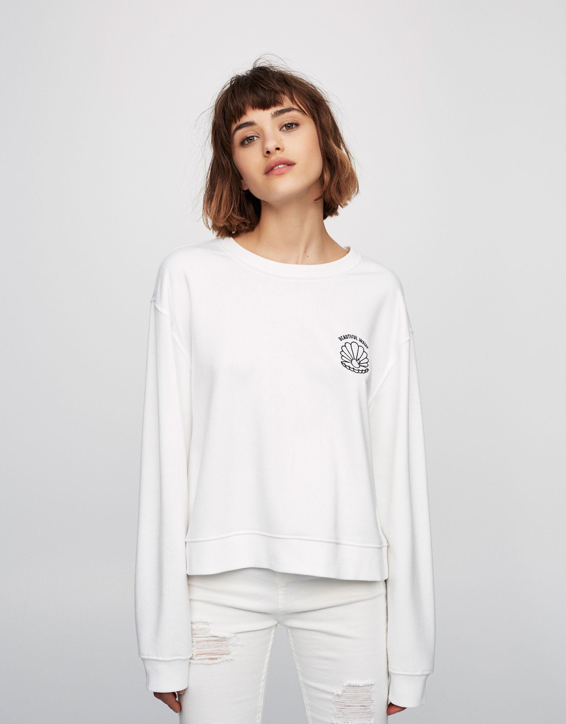 Shell patch sweatshirt