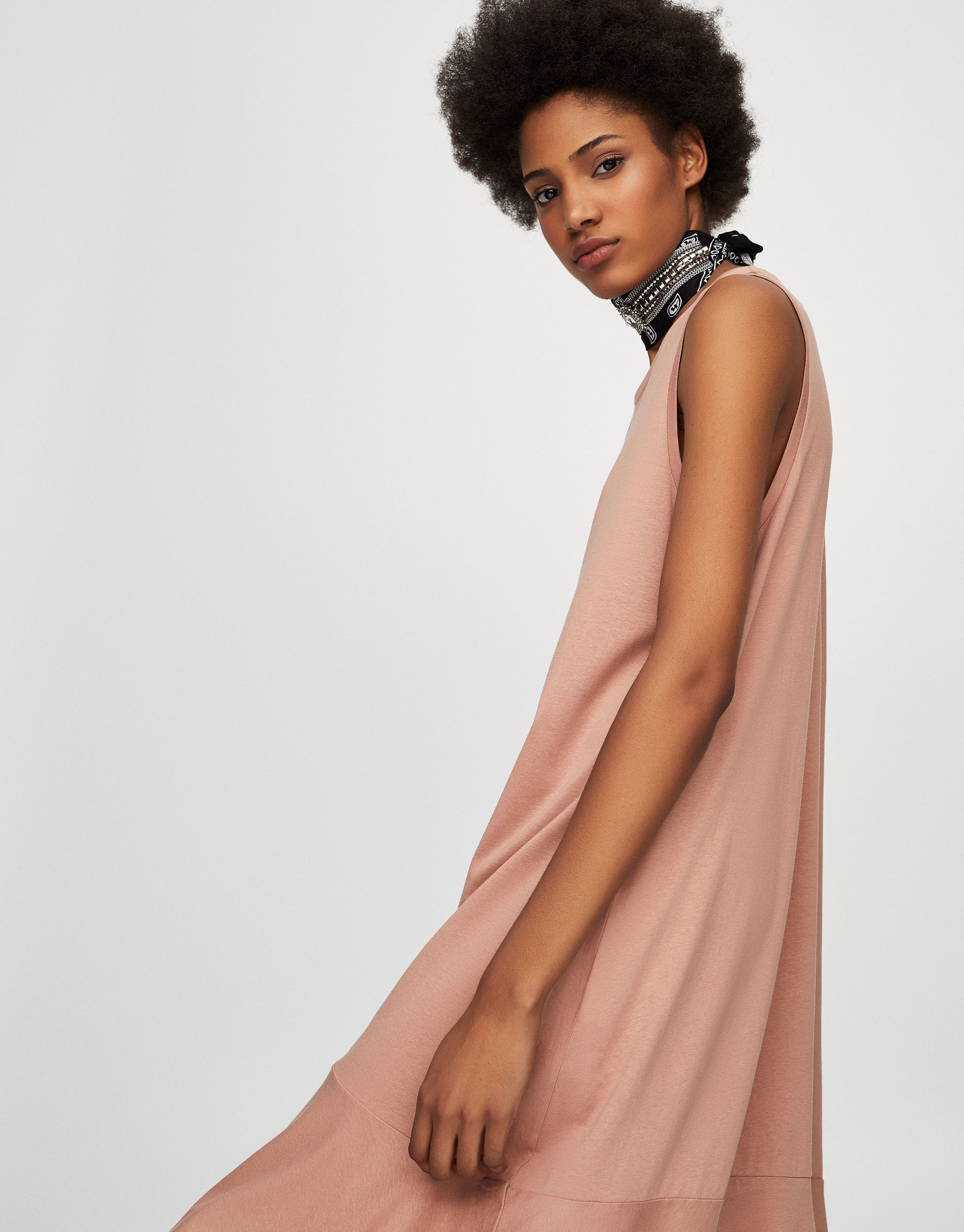 Long dress with ruffled hem
