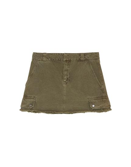 Minifaldilla de butxaques caqui