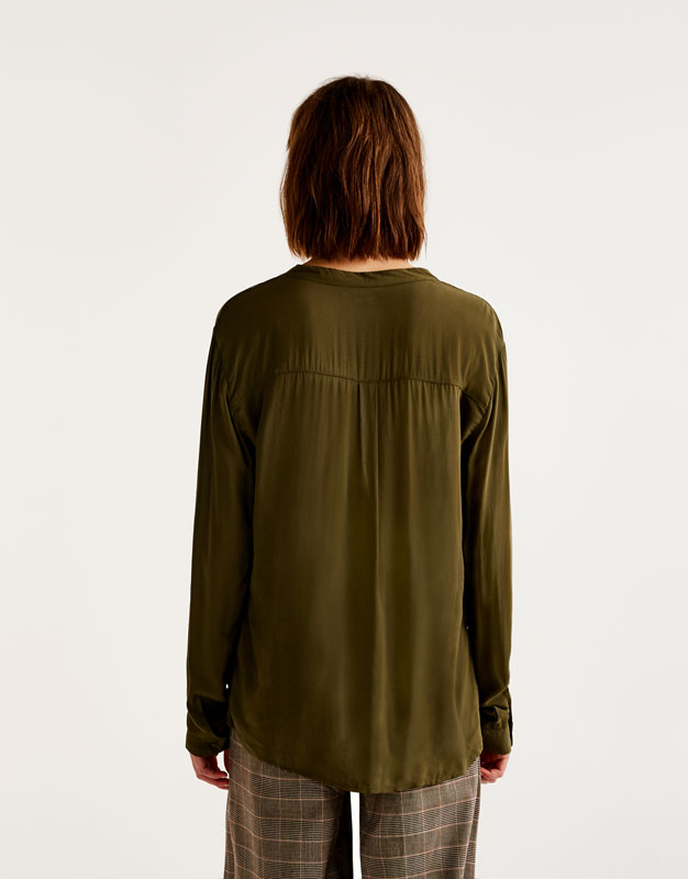 Camisa bàsica coll mao