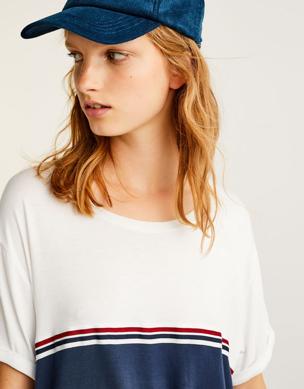 Two-tone T-shirt with stripes
