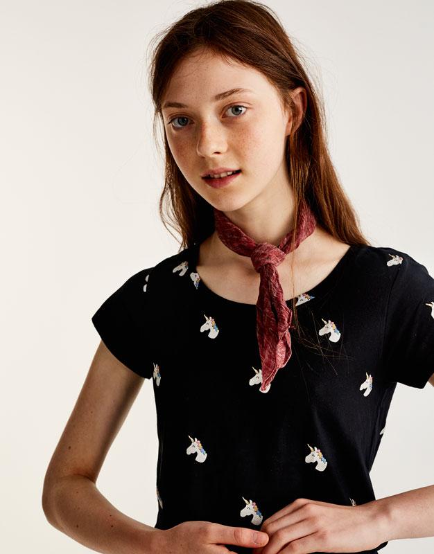 Allover-Shirt mit Einhorn