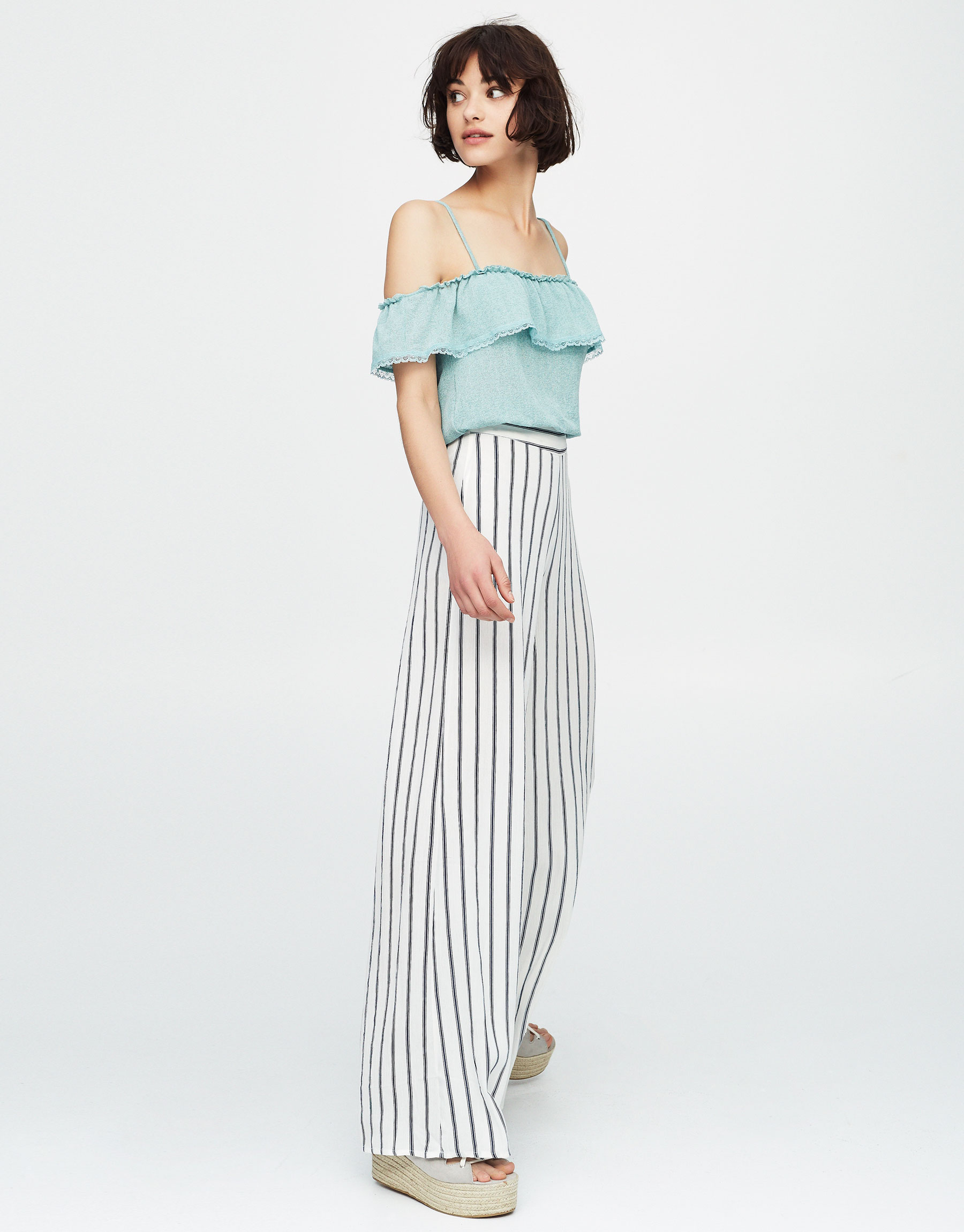 Crop top with ruffled neckline