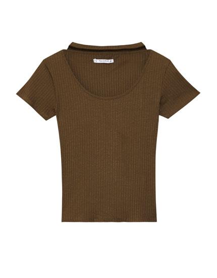 Camiseta choker canalé