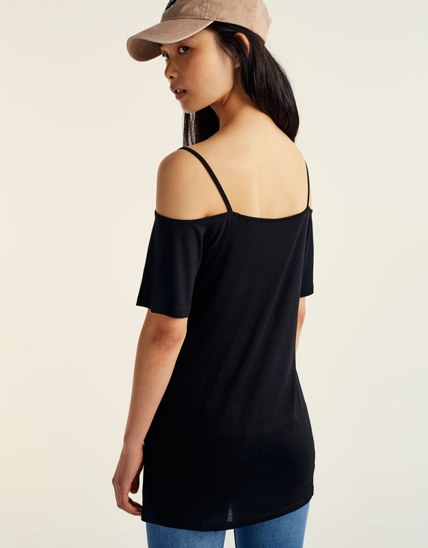 Off-the-shoulder V-neck T-shirt