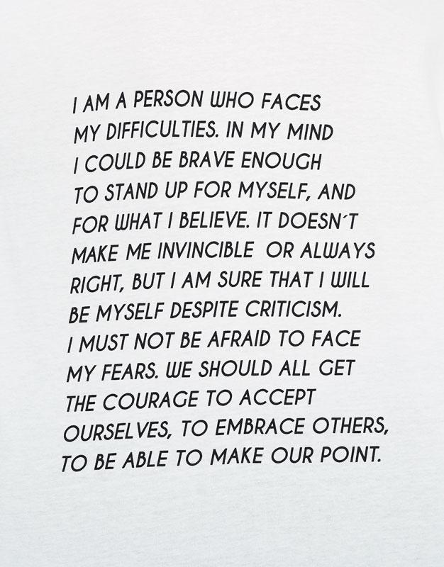 Camiseta detalle texto