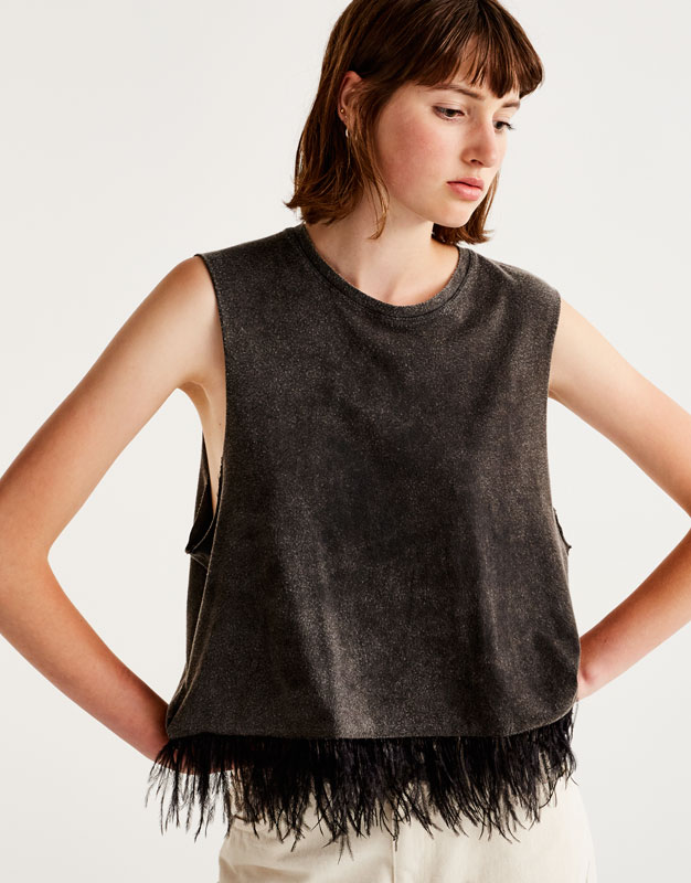 Lightweight faded top with feather trim