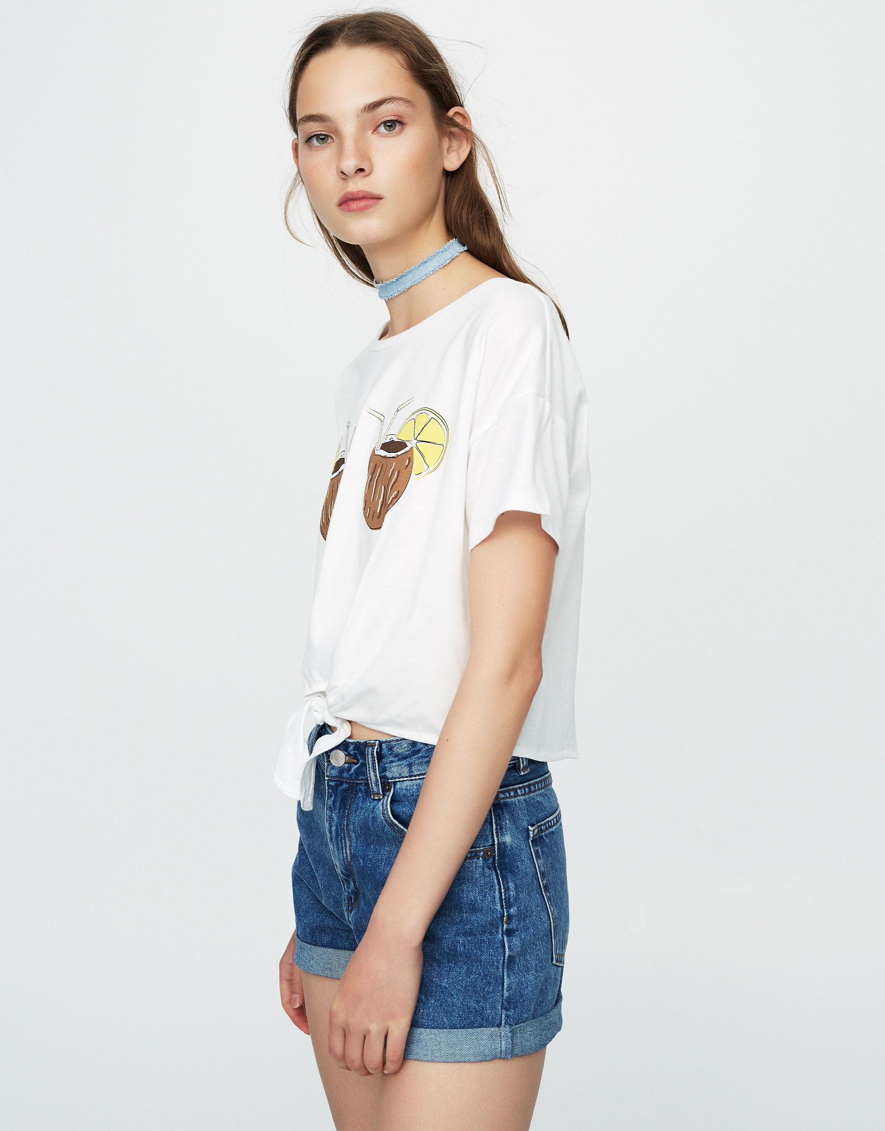 Knotted T-shirt with coconut print