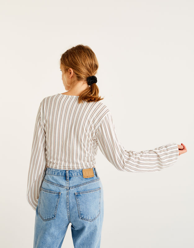 Striped shirt with front knot