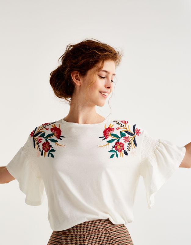 T-shirt broderie fleur