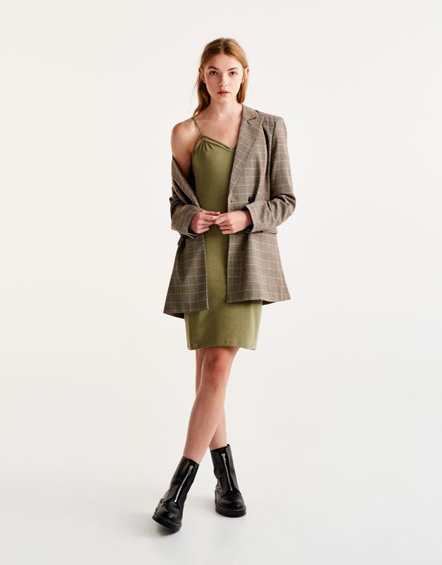 Basic dress with straps along neckline