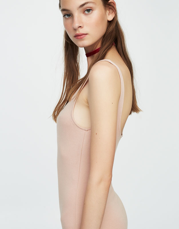 Vestido midi escote cuadrado