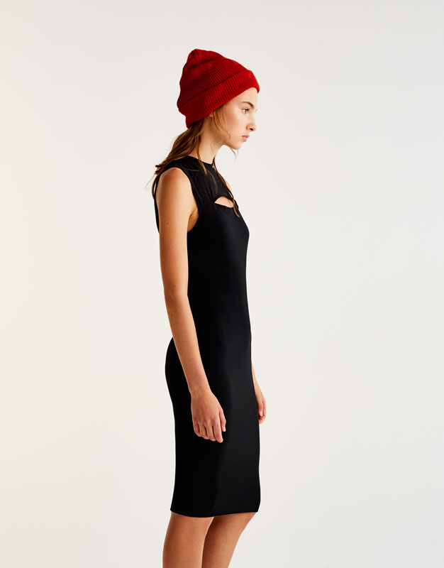 Midi dress with slit detail on the front