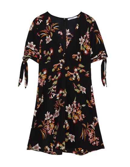 Vestido estampado floral abotonado