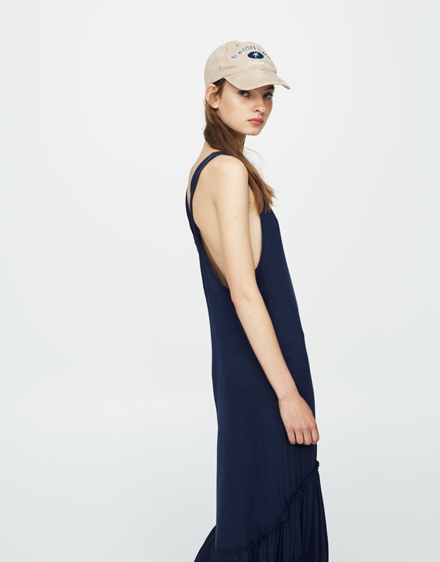 Midi dress with knot in back