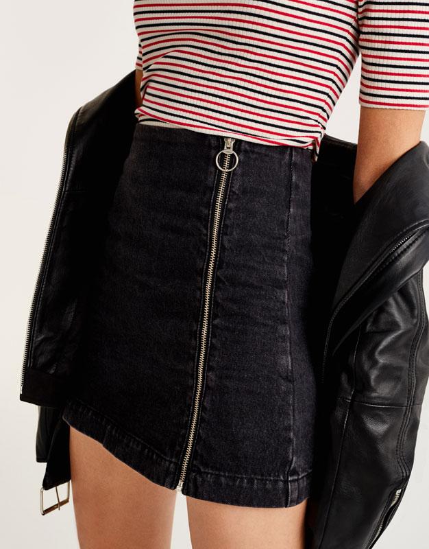 Denim skirt with zip