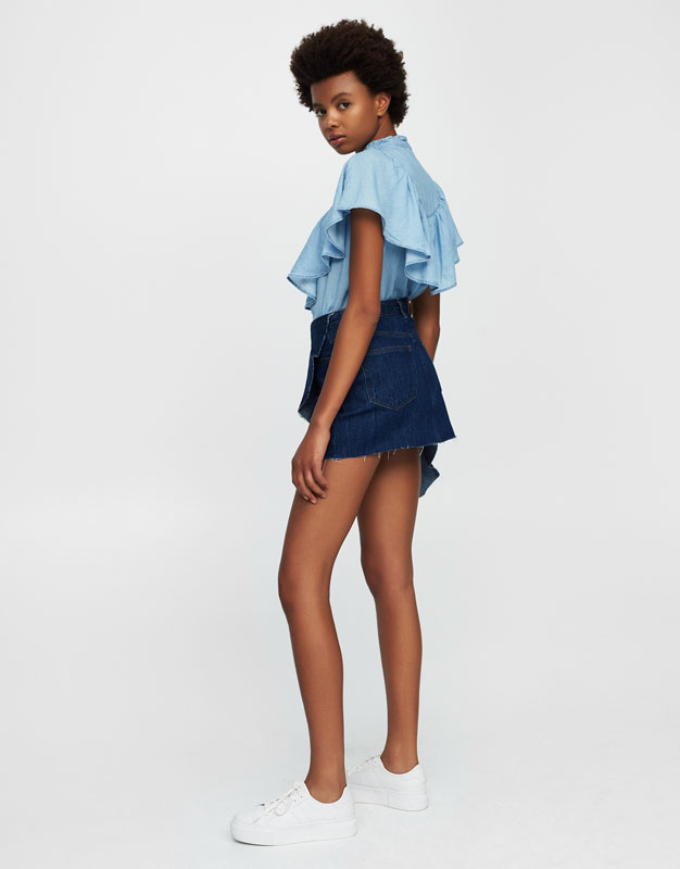 Ruffled denim mini skirt