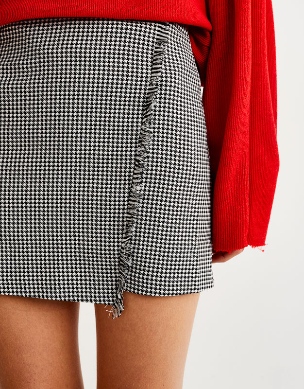 Skirt with crossed front