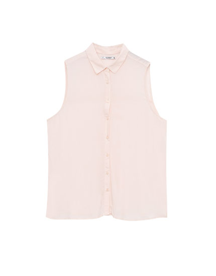 Sleeveless basic shirt