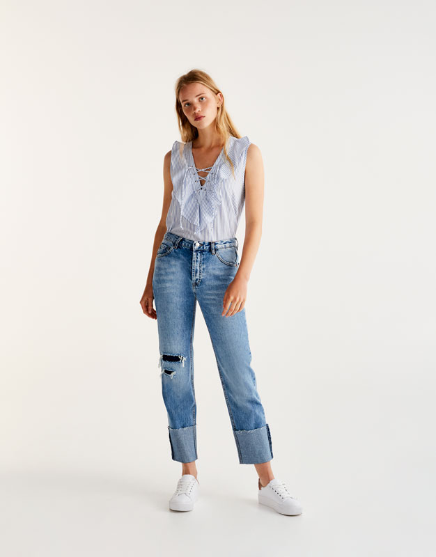Poplin shirt with a lace-up front