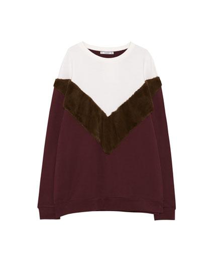 Tricoloured sweatshirt with faux fur stripe