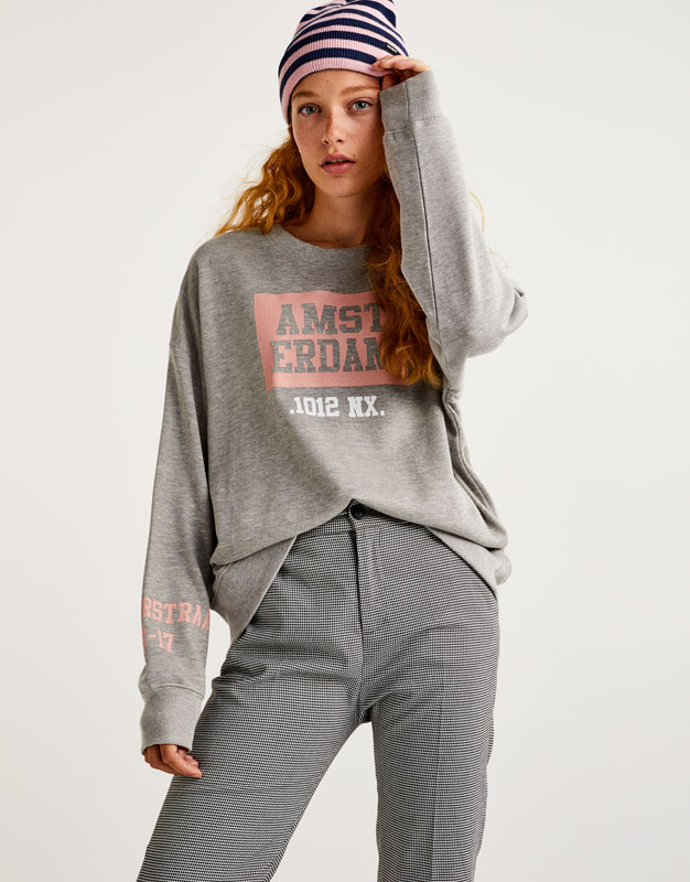 Sweatshirt with 'Amsterdam' slogan